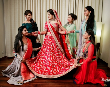 BRIDE-WITH-BRIDEMAIDS-AT-NISHURAJ-RESORTS-SIRSA-WEDDING