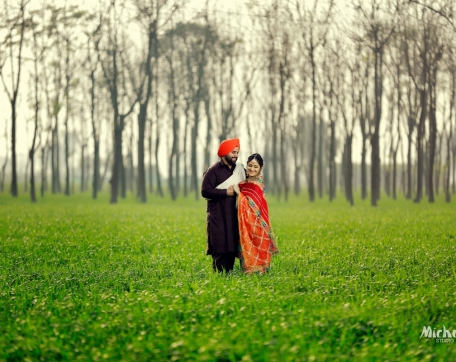 DESI-PREWEDDING-NRI-COUPLE-SIRSA