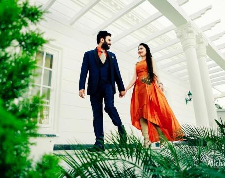 WALKING-SHOT-AT-HERITAGE-RESORTS-PUNJABI-PREWEDDING